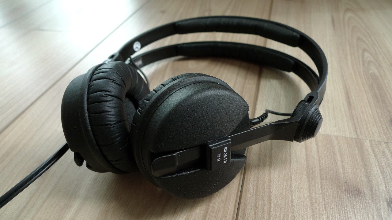 To a legend Happy 25th Birthday to the Sennheiser HD 25