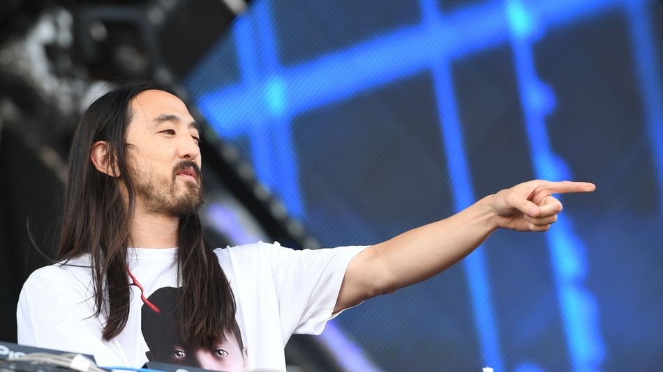 Steve Aoki jumps into esports arena, buys 'Overwatch' champ team Rogue